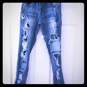 Junior's destroyed jeans size 3 EUC